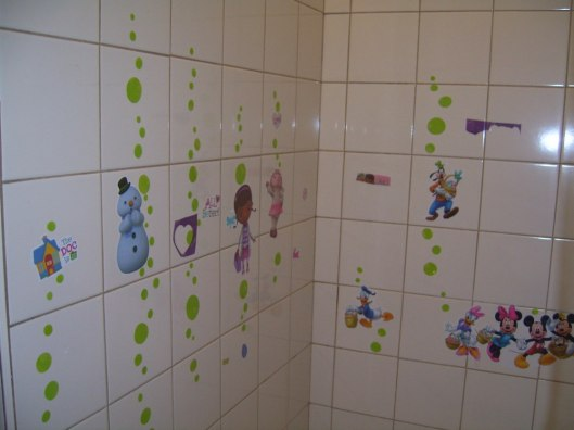 CricketDiane 5 Toys for Kids in Less Than 5 Minutes Each - Decorate the Bathroom Walls